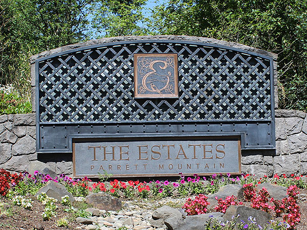 The Estates Parrett Mountain Gate